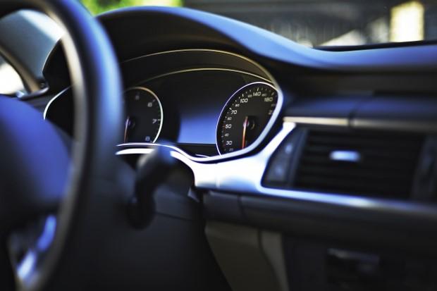 車内テレワーク アイドリング